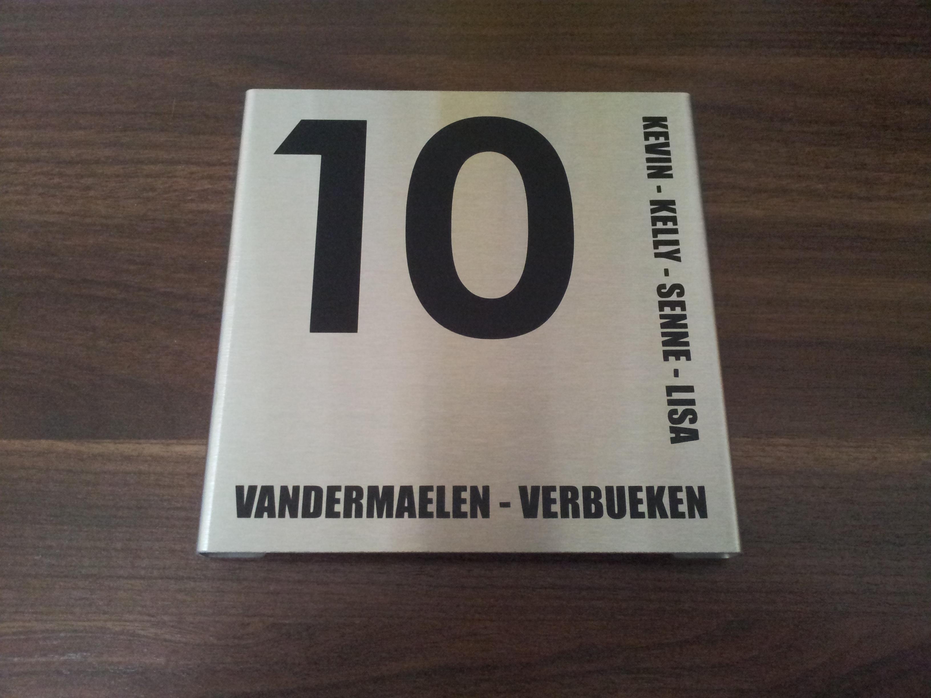 Nieuw Naambord voordeur vierkant 150x150V - NAAMBORDVOORDEEL.NL CK-74