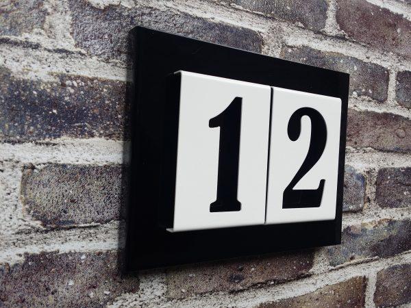 Number2go huisnummerbord gecoat